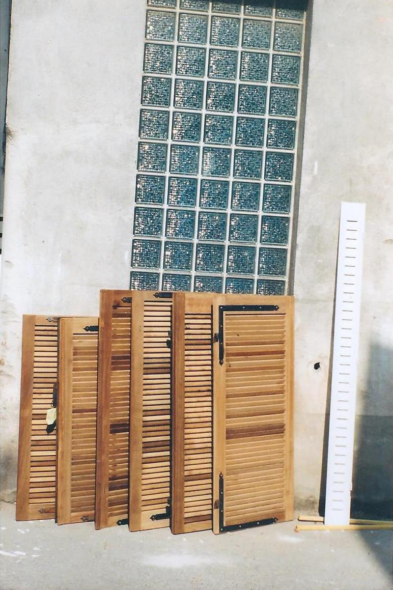 decapage persiennes en bois et metal
